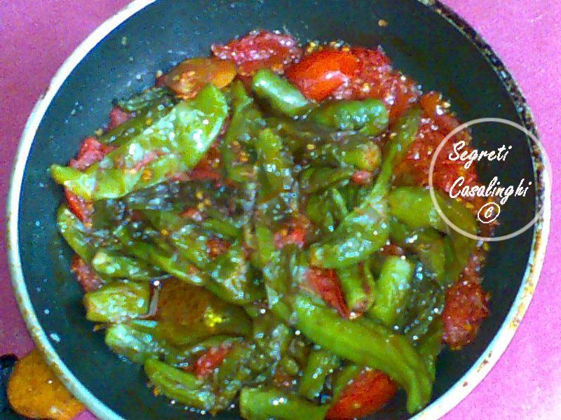 peperoncini verdi fritti pomodorini
