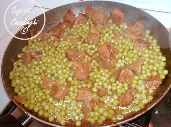 ricetta spezzatino carne piselli