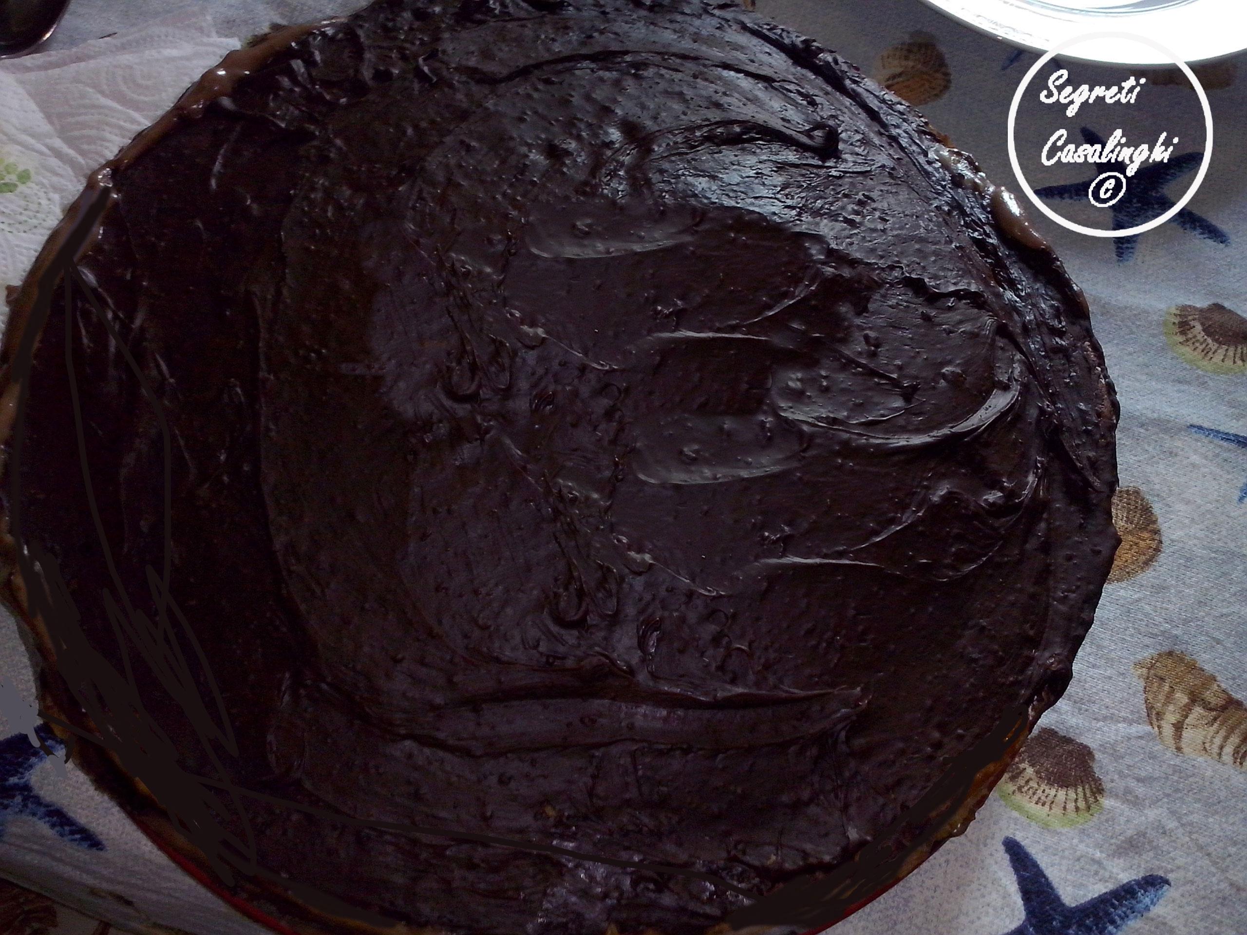 torta crema fragole cioccolato fondente