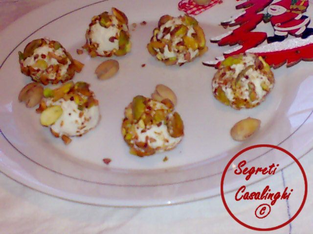 antipasto palline formaggio pistacchi