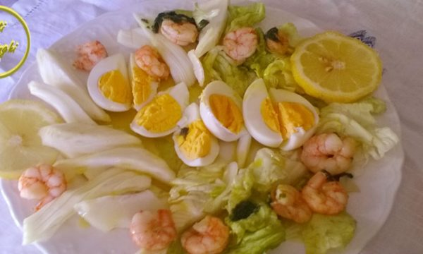 insalata gamberetti uova finocchi