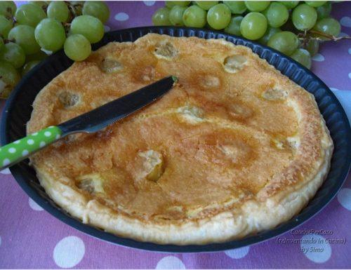 Crostata con uva bianca ,ricetta con pasta sfoglia già pronta