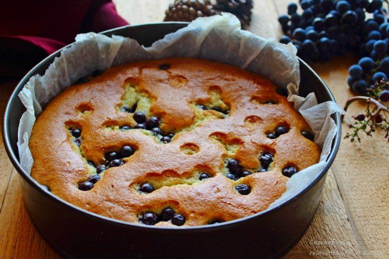 Torta autunnale all' uva nera , con uva nera di montagna , ma che bontà!