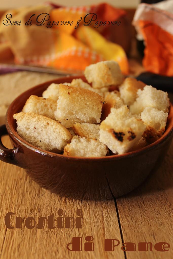 come riutilizzare il pane : crostini facili