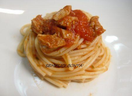 SPAGHETTI CON SUGO DI TONNO FRESCO – ricetta pasta