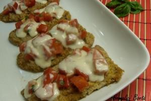 FETTINE DI VITELLO CON POMODORO E MOZZARELLA FILANTE – ricetta al forno