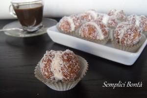 BACI DI AMARETTI CON CAFFE' MASCARPONE E COCCO – ricetta veloce