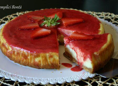 Cheesecake con gelèe di fragole – ricetta torta