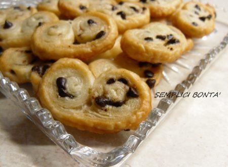 SFOGLIATINE DI PASTA SFOGLIA AL CIOCCOLATO – ricetta biscotti