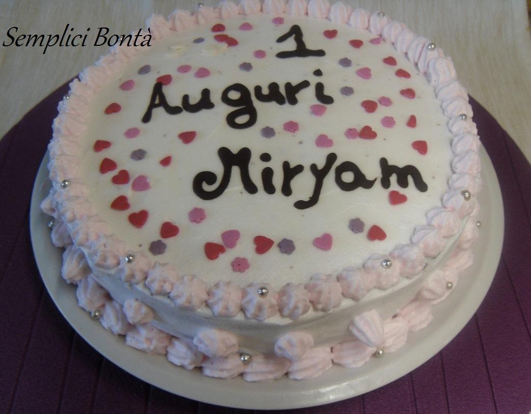 Torta di compleanno decorata con panna semplici bonta 39 for Decorazioni per torta 60 anni