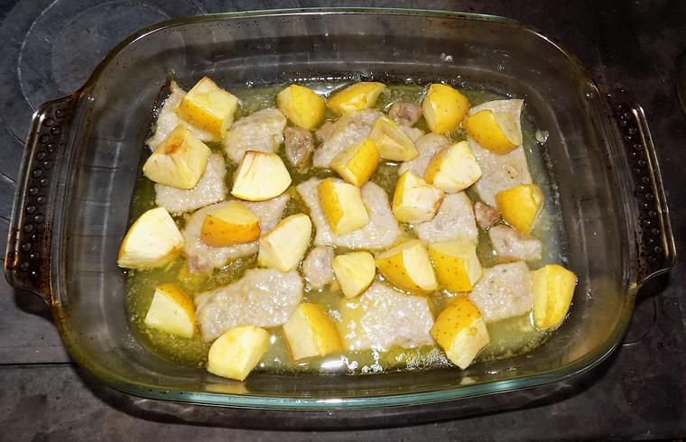 Lonza di maiale con le mele al forno