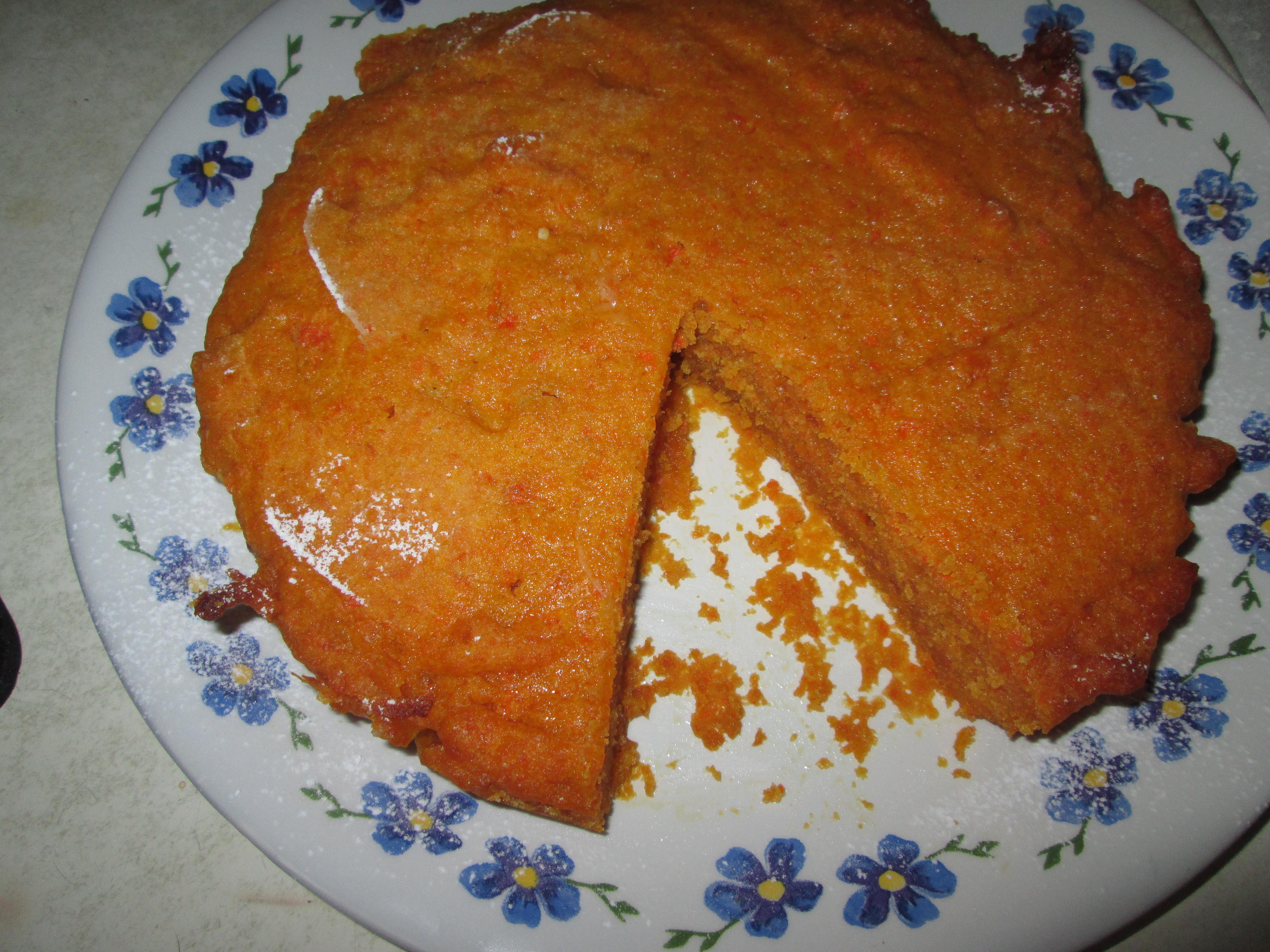 Torta di carote senza glutine, lattosio e uova