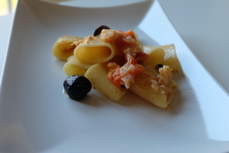 Paccheri Baccala e Olive Nere
