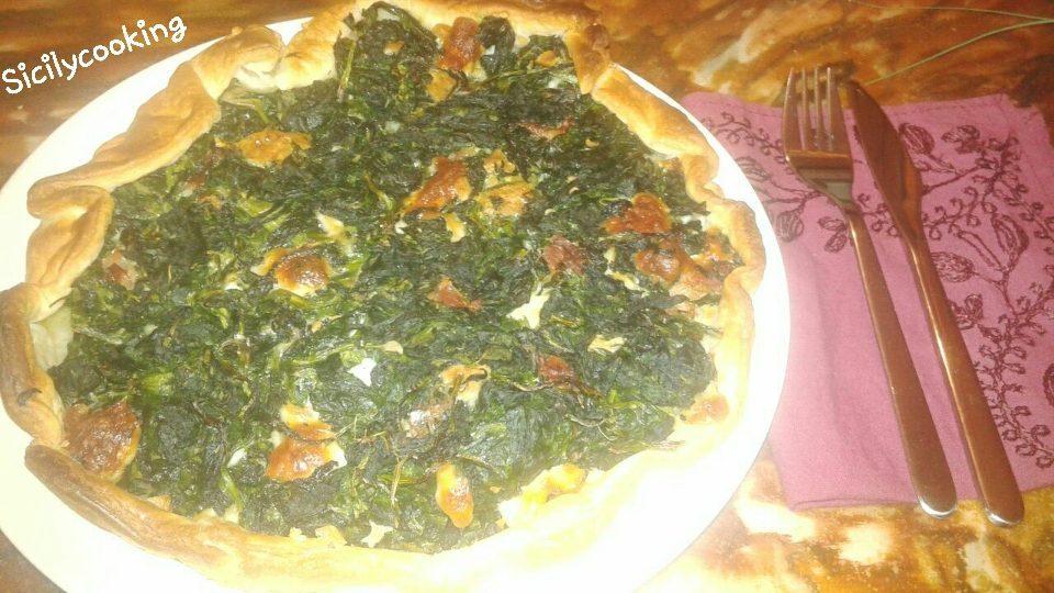 Torta salata di spinaci, speck e formaggio