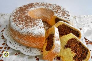Torta ripiena di mandorle cacao e amaretti