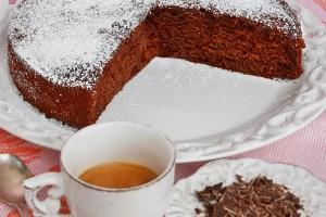 Torta al cioccolato con yogurt e caffe