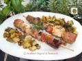 Spiedini di carne al forno con zucchine