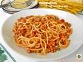 Spaghettoni al sugo ricco di verdure