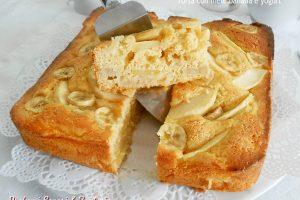 Torta con mele banana e yogurt