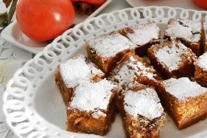 Torta con cachi e gocce di cioccolato