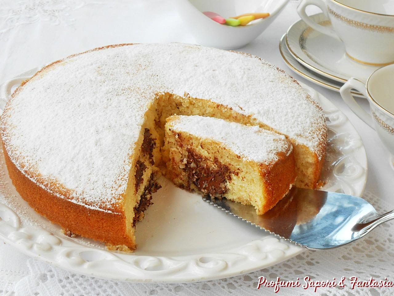 Torta soffice con panna cocco e Nutella