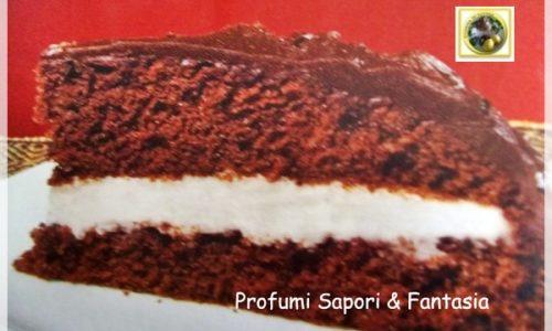Torta al cioccolato fondente con crema al rum