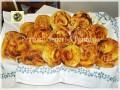Pizzette arrotolate con pomodoro origano e formaggio