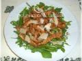 Straccetti di tacchino con aceto balsamico rucola e parmigiano
