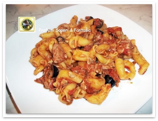 Torcetti al tonno vongole e olive nere  Blog Profumi Sapori & Fantasia