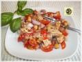 Insalata di tonno, legumi cipolla e pomodorini