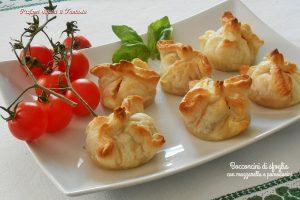 Bocconcini-di-sfoglia-con-mozzarella-e-pomodorini-si-300x200