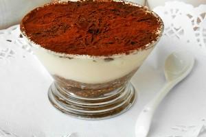 Crema di panna mascarpone e yogurt in coppa