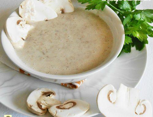 Crema di funghi champignon ricetta facile