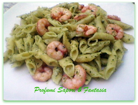 Garganelli al pesto e gamberetti ricetta facile   Blog Profumi Sapori & Fantasia