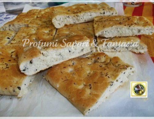Focaccia alle olive nere e timo ricetta Bimby