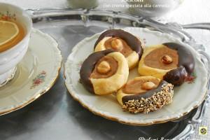 Biscotti con crema speziata alla cannella