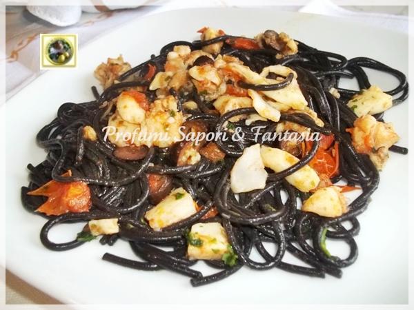 Spaghetti al nero di seppia con sugo di pesce Blog Profumi Sapori \u0026 Fantasia