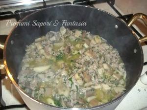 Sugo di funghi sfiandrine e salsiccia Blog Profumi Sapori & Fantasia