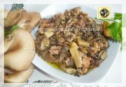 Sugo di funghi sfiandrine con salsiccia