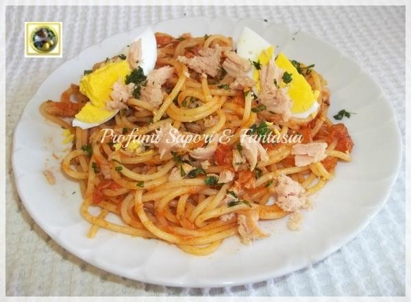 Spaghetti al sugo di tonno con uova sode Blog Profumi Sapori & Fantasia