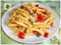 Pasta fredda ricetta, con capperi pecorino e pomodorini