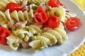 Fusilli napoletani ricetta, con piselli gorgonzola pancetta e pomodorini