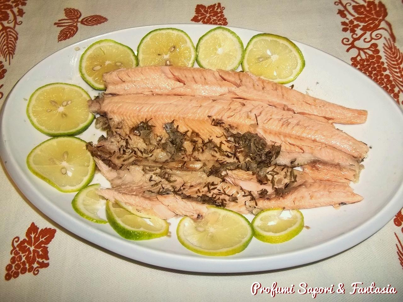 Trota salmonata al forno ricetta facile e gustosa di pesce for Cucinare trota