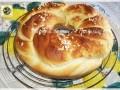 Trecccia di pan briosche con granella di zucchero