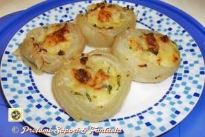 Cipolle ripiene al forno con erbe aromatiche e scamorza