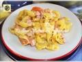 Tortellini al prosciutto cotto formaggio e pomodori