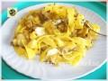 Tagliatelle alle zucchine basilico e caciotta