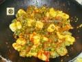 Gnocchi ricetta ai due colori con sugo ai piselli