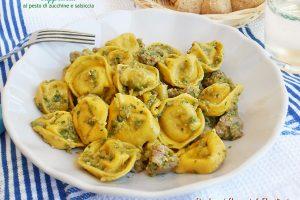 Cappelletti al pesto di zucchine e salsiccia