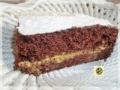 Torta al cioccolato farcita con crema al caffe'